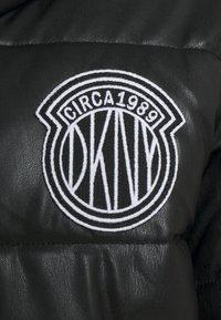 DKNY - SHORT PUFFER - Training jacket - black - 2