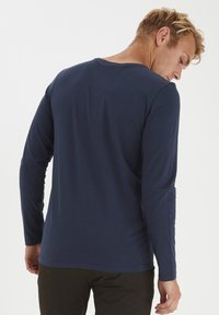 Casual Friday - THEO LS  - Long sleeved top - navy blazer - 2