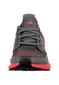 adidas Performance - Stabilty running shoes - grey five / silver metallic / signal pink - 5