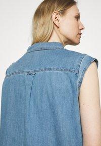 Marc O'Polo - DRESS TUNIQUE STYLE   - Shirt dress - blue denim - 3