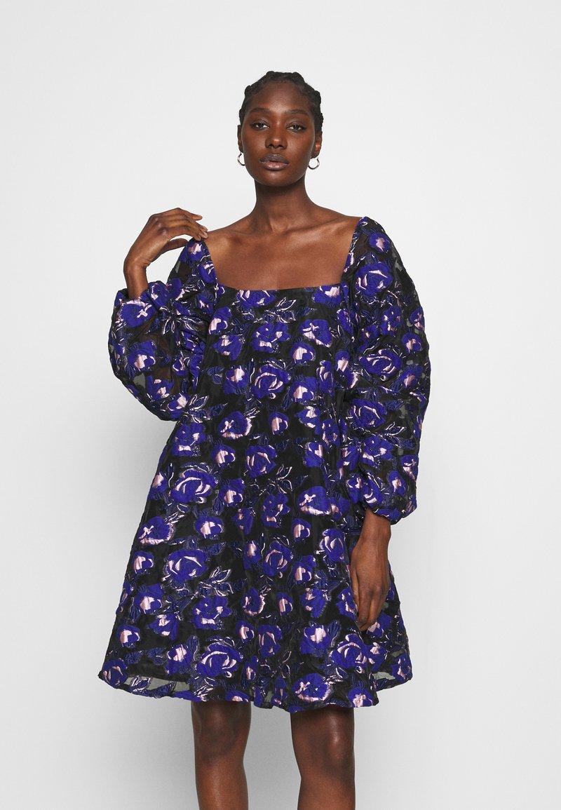 Résumé - CLAUDIA DRESS - Day dress - electric blue