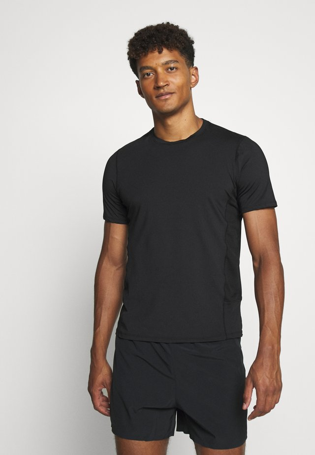 ESSENCE TEE - T-shirts - black