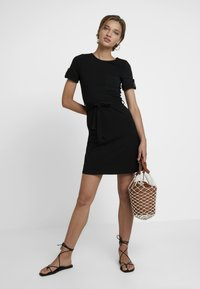 Dorothy Perkins - PLAIN TIE DRESS - Jersey dress - black