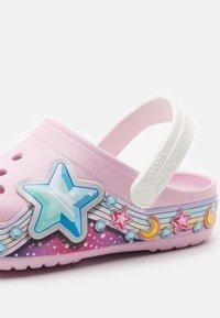 Crocs - STARBAND - Pool slides - pink - 5