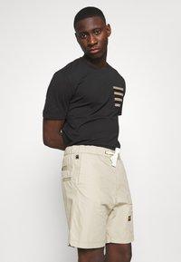 G-Star - FRONT POCKET SPORT SHORT - Shorts - khaki - 3