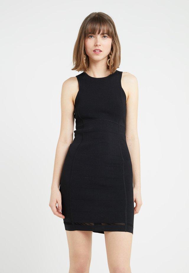 Strikket kjole - nero