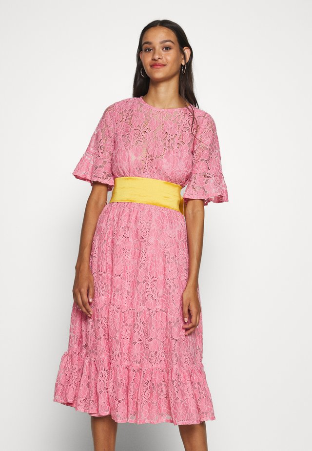 BAKEWELL MIDI DRESS - Day dress - pink