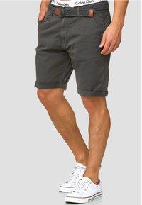 INDICODE JEANS - Shorts - raven - 0