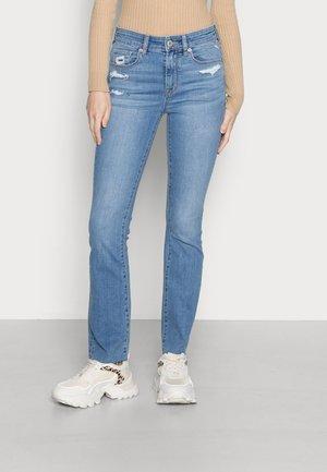 KICK CROP  - Jeans a zampa - soft blue