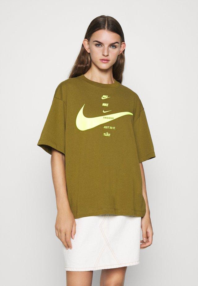 Camiseta estampada - olive flak/volt