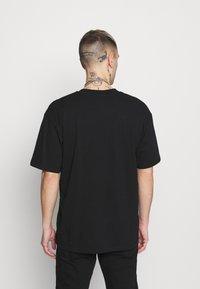 Edwin - KATAKANA EMBROIDERY UNISEX  - Basic T-shirt - black - 2