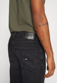Tommy Jeans - SCANTON SLIM - Vaqueros slim fit - max black - 5