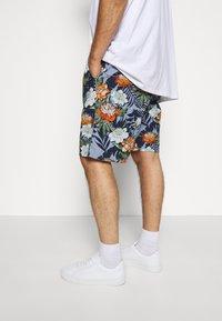 Jack´s Sportswear - FLORAL CHAMBRAY  - Short - blau - 3