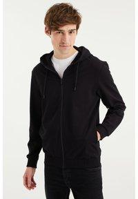 WE Fashion - Zip-up hoodie - black - 0