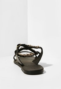 Inuovo - Chaussons - black blk - 4