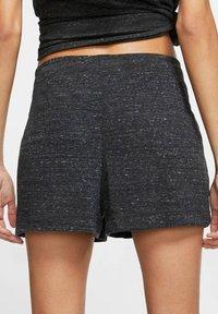 Nike Sportswear - GYM VINTAGE - Shorts - black - 2