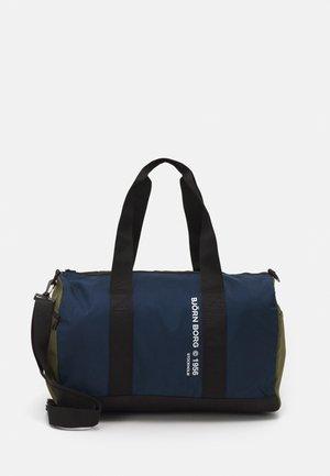 PETE - Sports bag - green mix