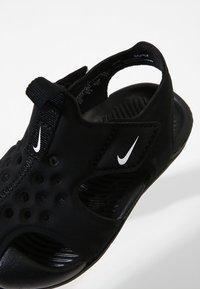 Nike Performance - SUNRAY PROTECT 2 UNISEX - Chaussures aquatiques - black/white - 5