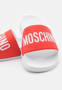 MOSCHINO - UNISEX - Mules - red - 5