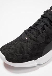 Puma - INTERFLEX RUNNER - Zapatillas de running neutras - black/bridal rose - 5