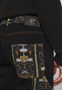 Versace Jeans Couture - COAL LAVEA  - Shorts - black - 5