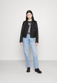 Abrand Jeans - A OVERSIZED VINTAGE TEE - T-shirts med print - black fade - 1
