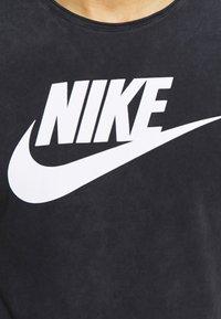 Nike Sportswear - ICON FUTURA WASH - Camiseta estampada - black/white - 5