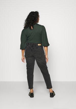 CARLU CARROT - Jeans baggy - black denim