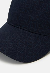 Calvin Klein - MONO BLEND - Caps - dark blue / navy
