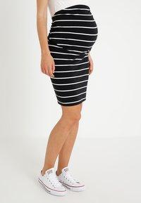 Zalando Essentials Maternity - Pencil skirt - black/off white - 0