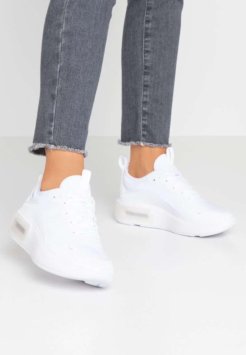 Nike Sportswear - AIR MAX DIA - Sneakers laag - white/metalic platinum