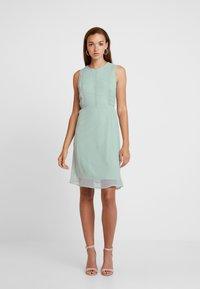 Vero Moda - VMBIRGITTA DRESS - Denní šaty - jadeite - 1