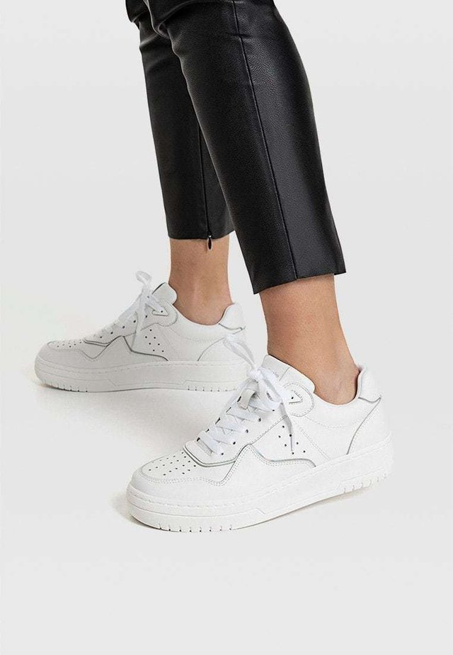 MIT DETAILS  - Baskets basses - white