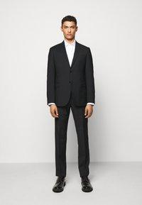 Emporio Armani - SUIT - Suit - black - 0