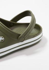 Crocs - CROCBAND UNISEX - Clogs - army green/white - 5