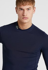 Lacoste Sport - GOLF PERFORMANCE LONG SLEEVE  - Funkční triko - navy blue - 4