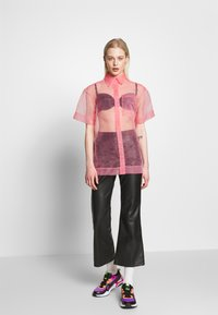 House of Holland - SHEER BOXY - Button-down blouse - pink - 1
