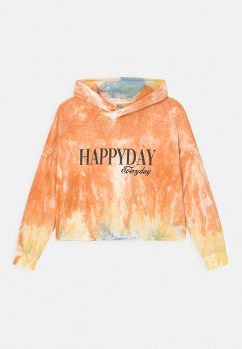 GIRLS HAPPYDAY BOXY HOODIE - Mikina skapucí - mottled orange/black
