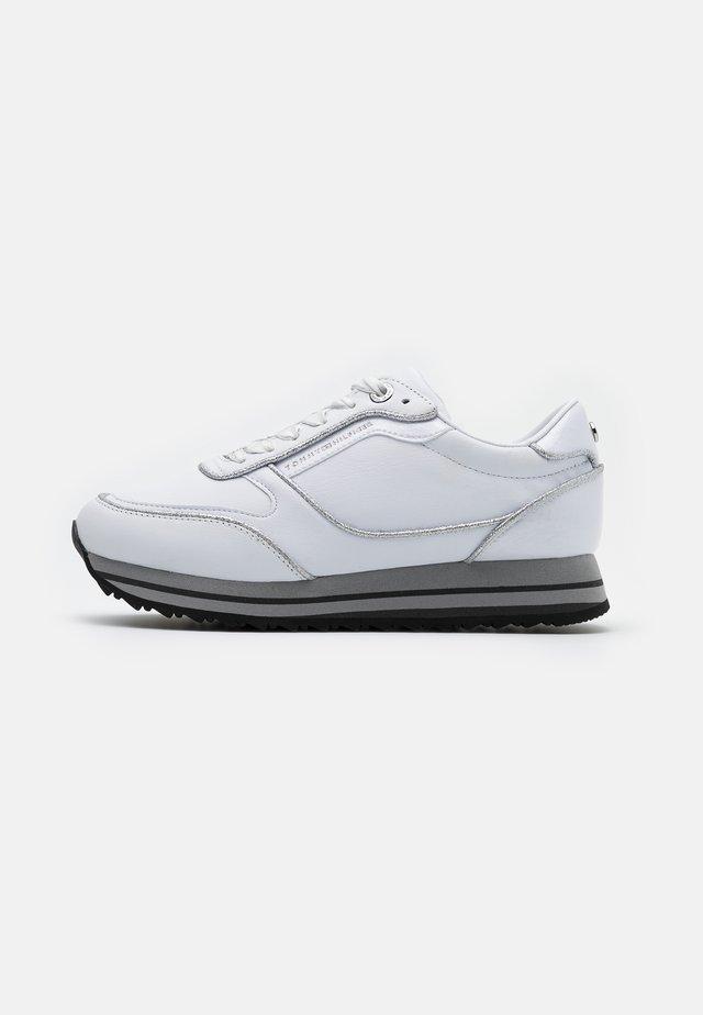 GLITTER RUNNER  - Sneakers - white