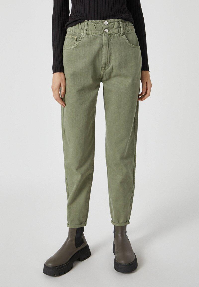 PULL&BEAR - Relaxed fit jeans - mottled dark green