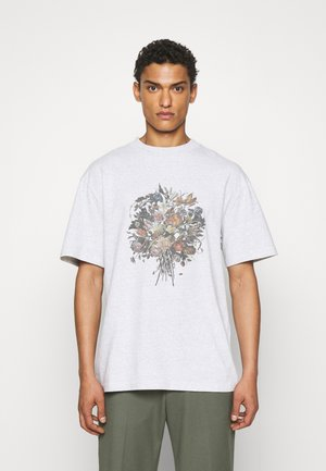 BOXY TEE SHORT SLEEVE - Print T-shirt - grey