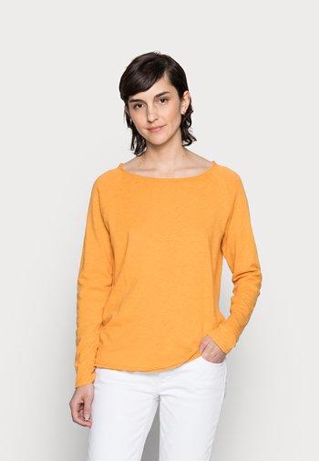 Long sleeved top - golden orange
