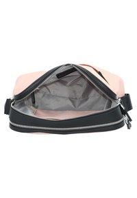 Mandarina Duck - HUNTER  - Across body bag - pale blush - 4