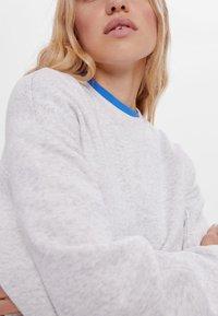 Bershka - Sweatshirts - light grey - 3