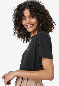 HALLHUBER - Print T-shirt - black - 2