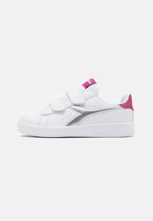 GAME GIRL - Sports shoes - white/azalea