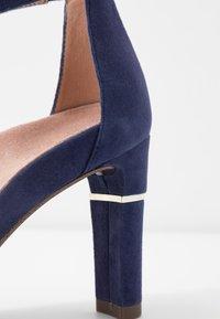 Tamaris Heart & Sole - Korolliset sandaalit - cobalt - 6