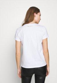 KARL LAGERFELD - LOGO - Camiseta estampada - white - 2