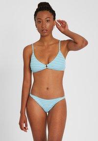 Volcom - NEXT IN LINE VNECK - Bikini top - coastal blue - 0