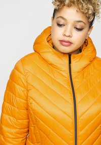 MICHAEL Michael Kors - ZIP FRONT PACKABLE WHOOD - Light jacket - marigold - 4